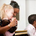 praying-with-children