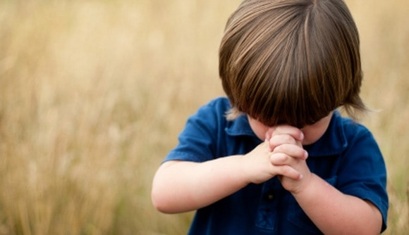 Follow these tips when praying along with children