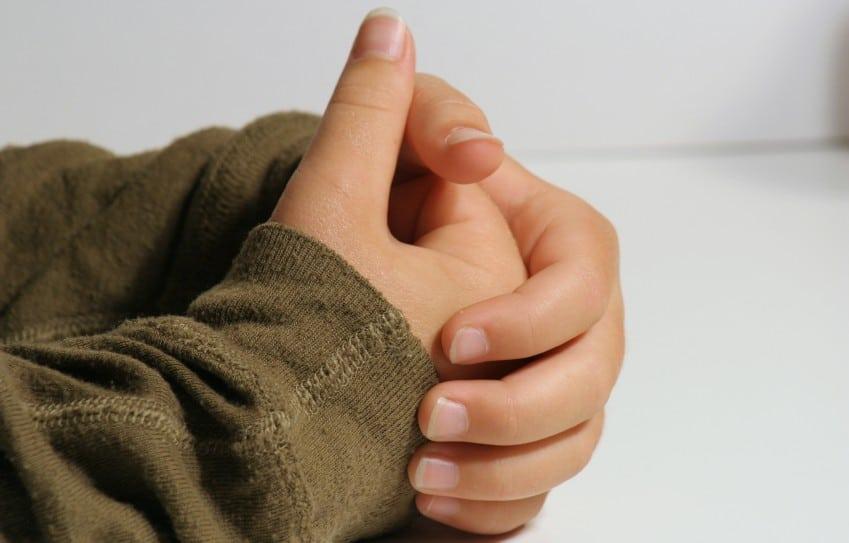 child-praying-hands